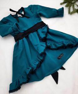 sukienka turkusowa z czarną koronką