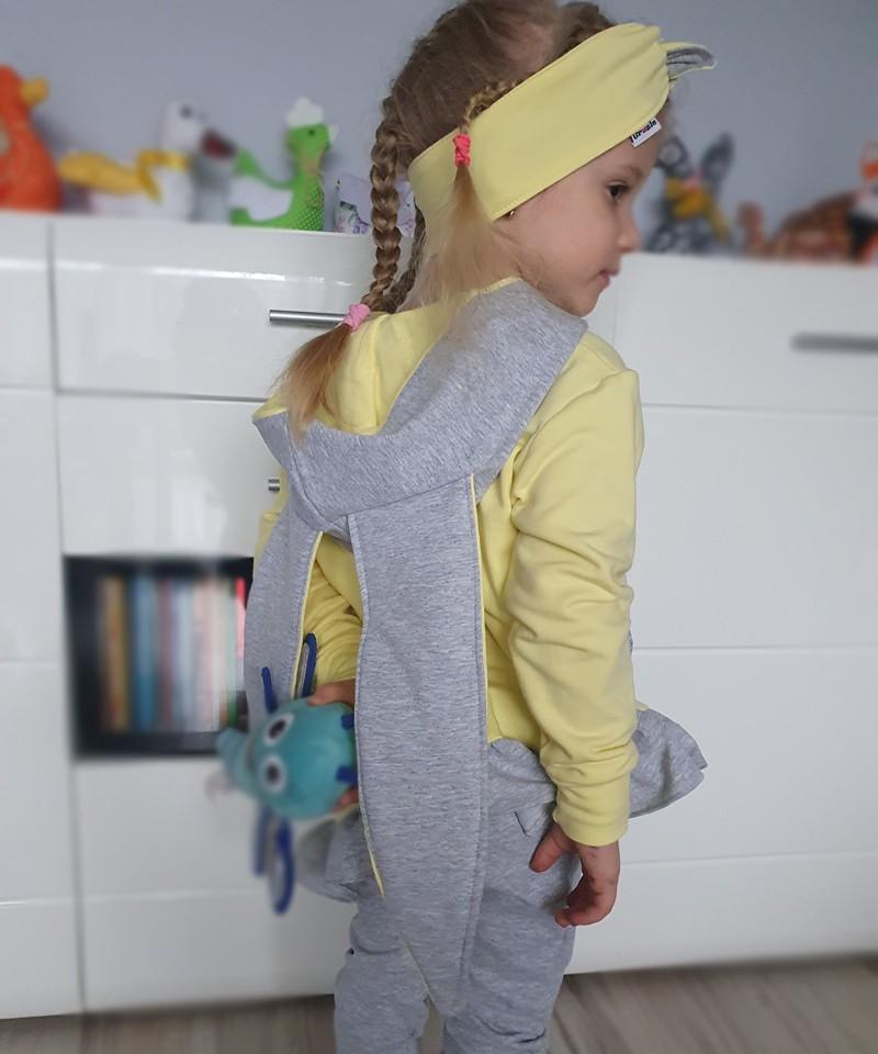 Granatowy plaszcz dla chłopca
