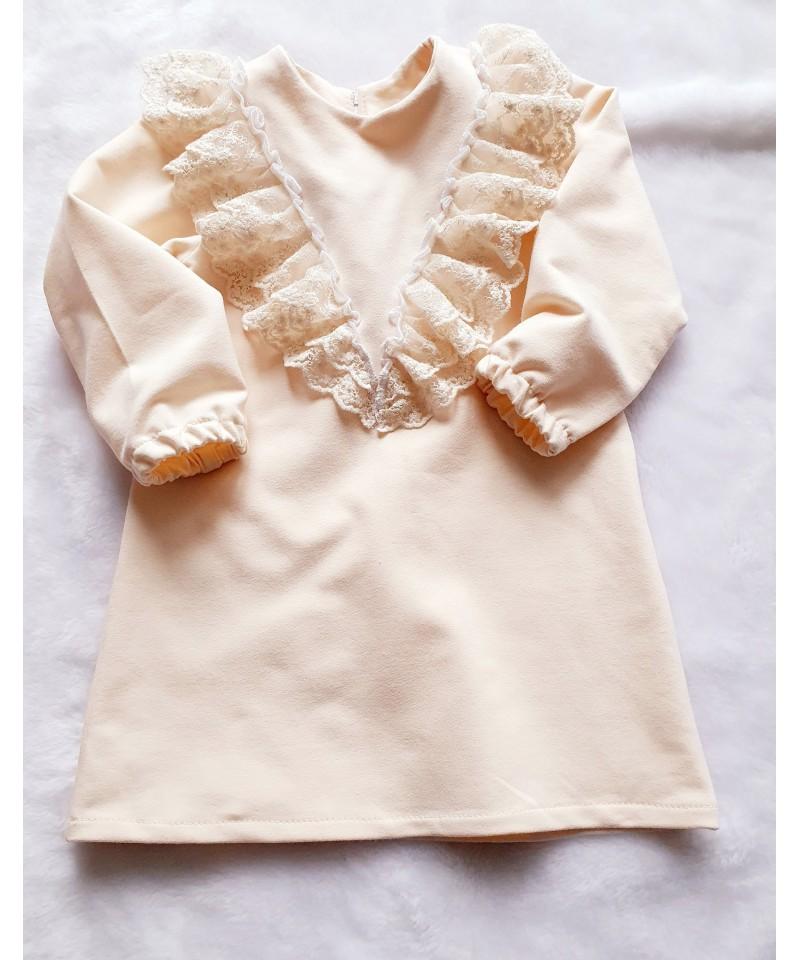 Waniliowa sukienka z koronką