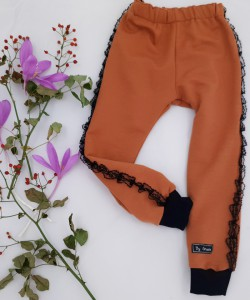 Spodnie dresowe w kolorze cynamonowym