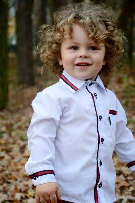 Biała koszula wizytowa dla chłopca
